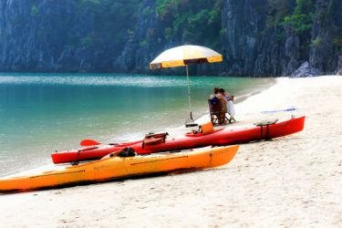 Beach-BBQ-Halong-bay-4_568