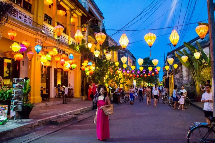 5-Days Vietnam Central Package Tour With Heritage Wonder