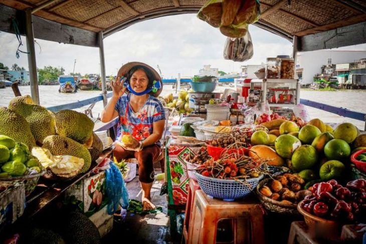 Whole Day Exploring Cai Be Floating Market – Glimpse Of Vietnamese Culture