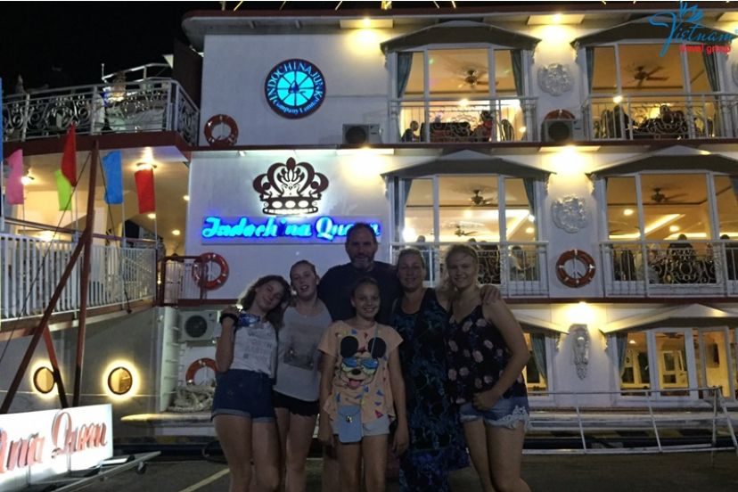 Enjoy Night With Traditional Dinner Cruise  06.01.2019