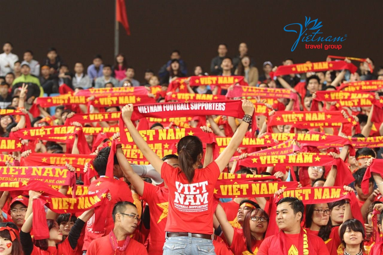 Shout-and-cheers-for-Vietnam-My-Dinh-Stadium