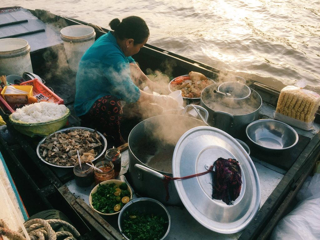 Cai-Rang-Floating-Market-Mekong-Delta-Vietnam-Travel-Group