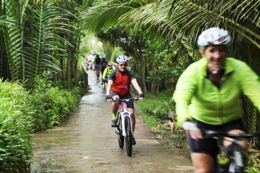2 days Mekong Delta cycling tour