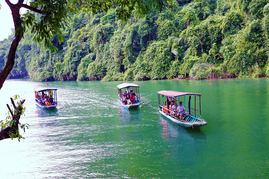 Ba Be lake and Ha Giang highlight tour