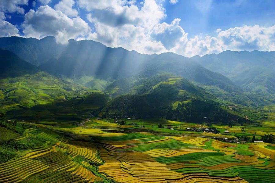Ba Be lake and Ha Giang highlight tour