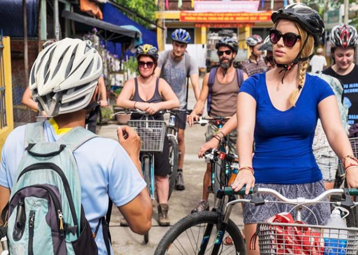 Cam Kim island full day cycling tour