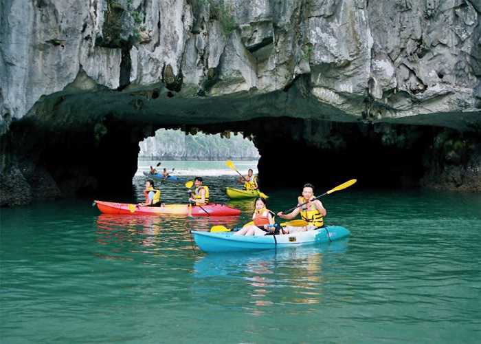Highlight Hanoi tour with Ha Long Bay and Tam Coc