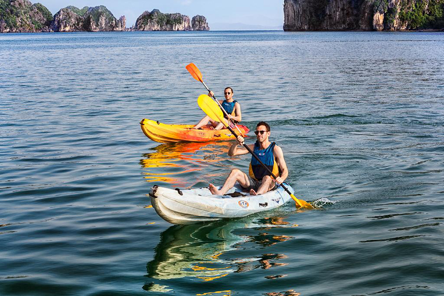 Ha Long Bay Emeraude Classic cruise tour 2 days 1 night